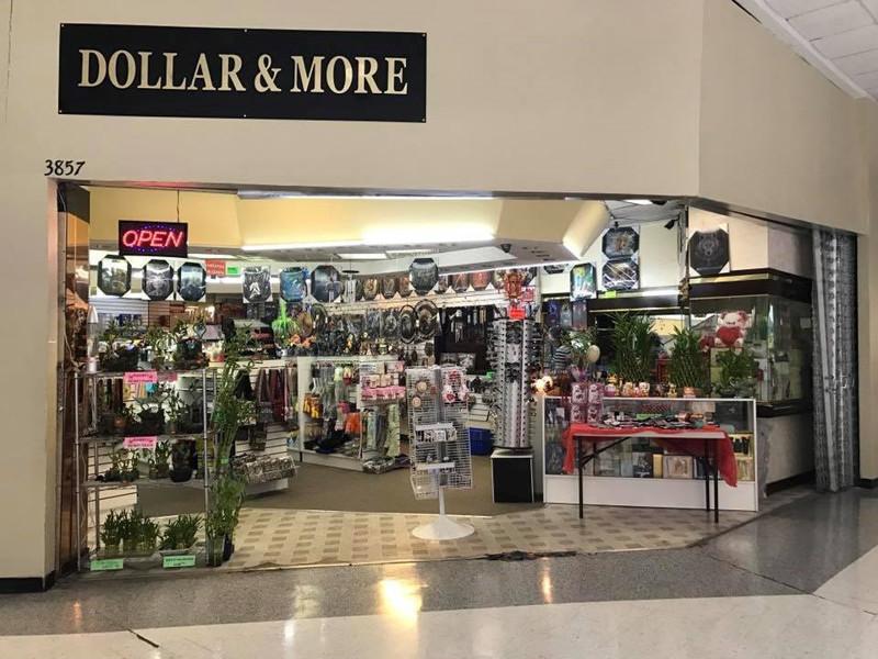 Picture of Cần Bán TIỆM ĐỒ LƯU NIỆM Nail Shop ở Irving, TX. Vị trí: Irving Mall