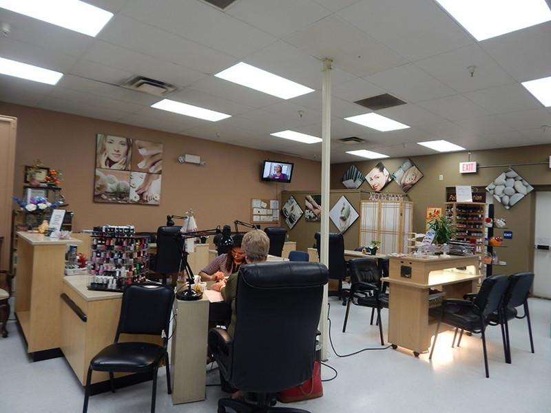 Picture of Cần Bán Nail Shop Thành phố Grapevine, TX. Vị trí: Trung Walmart khu nhà giàu