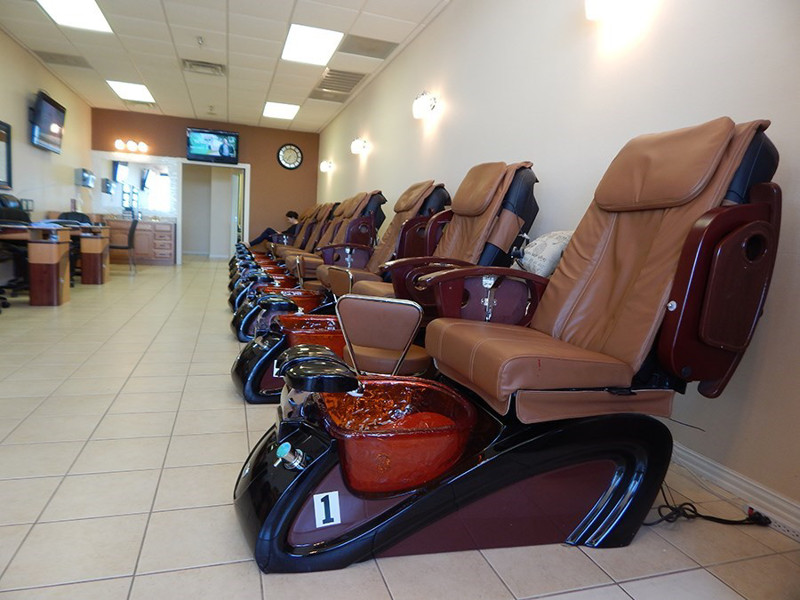 Ảnh của Cần Bán Nail Shop ở Dallas, TX. Shopping center. Income/tháng: $24,000