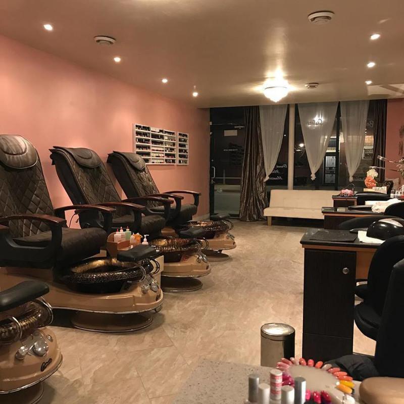 Ảnh của Cần Bán Nail Shop ở Aubrey, TX. Khu Providence Village. Income/tháng: $18,000